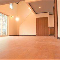 【リフォーム済み】開放感のある2LDK+納戸+畳コーナー。定住・別荘に便利な立地です。【仲介手数料不要】
