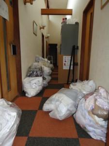 リネン室 ゴミ 前 (2)